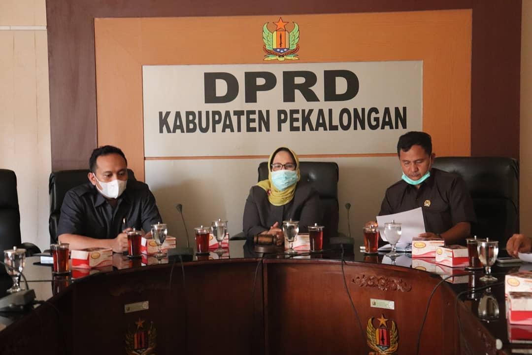 Ketua DPRD Kabupaten Pekalongan Dra. Hj. Hindun, MH Memimpin Rapat Koordinasi Tentang Persiapan Pelantikan Bupati dan Wakil Bupati Kabupaten Pekalongan Masa Jabatan 2021 - 2026
